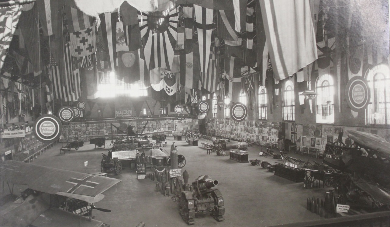 Hamilton War trophies exhibit1919balcony (LAC collection)