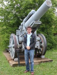 Say hello to my little friend! Me and the 1916 Pattern 21cm siege howitzer in the Citadel, Quebec City.
