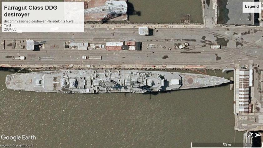 Farragut Class DDG Philedelphia PA 2004.jpg