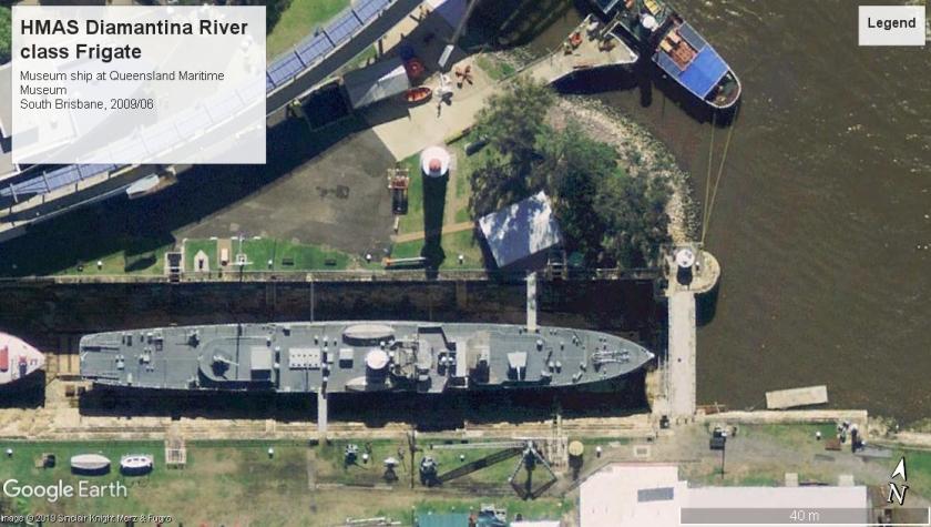 HMAS Diamantina K-377 South Brisbane AU 2009.jpg