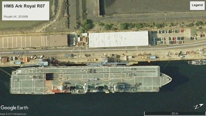 HMS Ark Royal R07 Rosyth 2010.jpg
