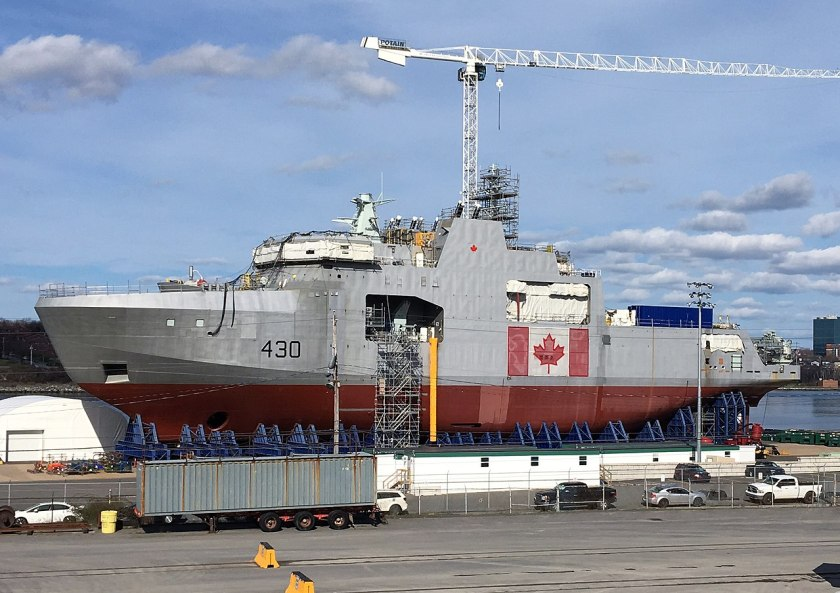 1280px-HMCS_Harry_Dewolf_under_construction_May_2018