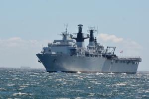 HMS Albion visits Fleet Activities Yokosuka