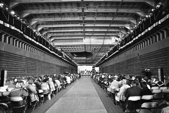 USS Germantown 1986 well deck NARA