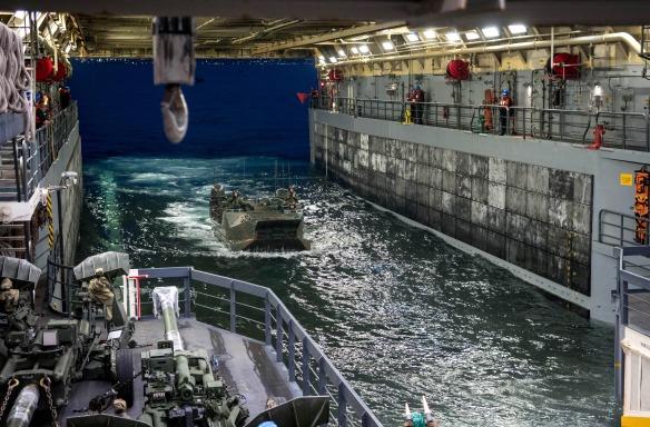 USS Somerset AAV Operations