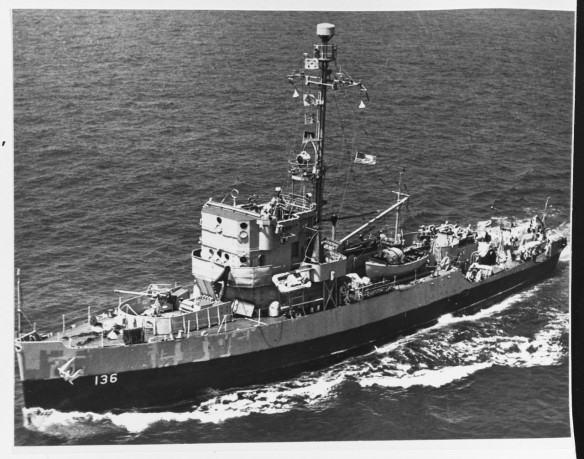 USS Admirable AM-136 80-G-411693