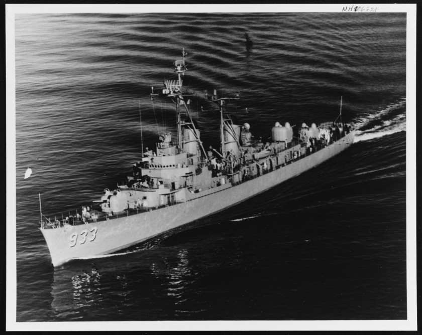 USS Barry DD933 NH 106828