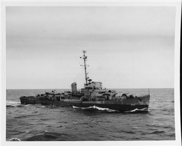 USS Hurst DE-250 NH 43558