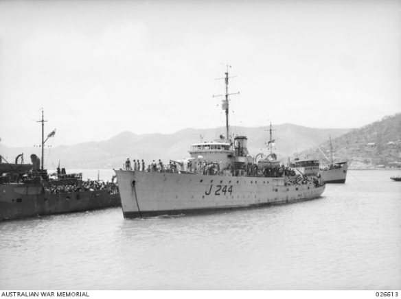 HMAS Castlemaine AWM 4100113
