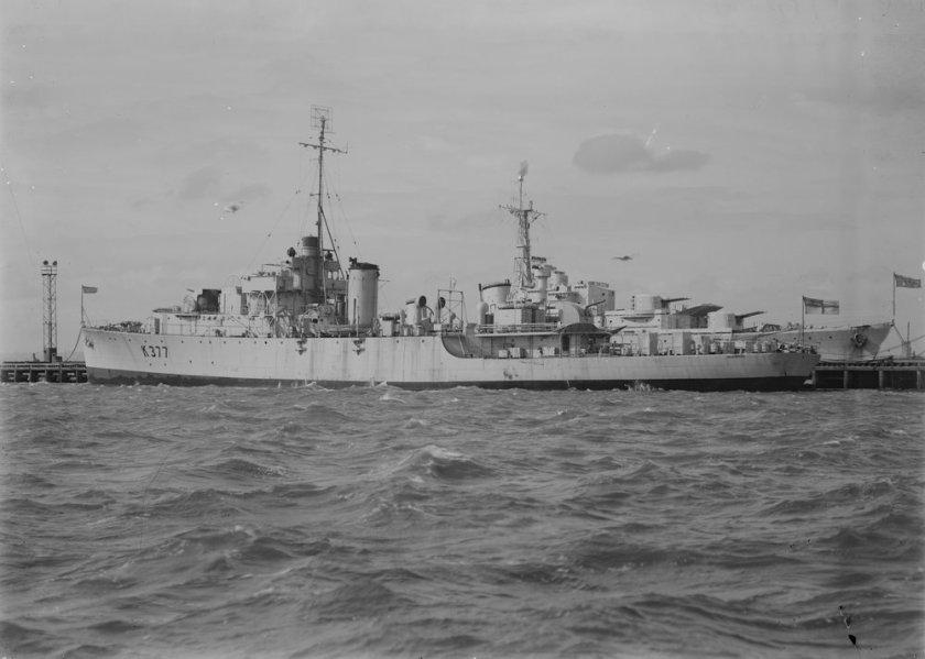 HMAS_Diamantina_SLV_H91.250_144