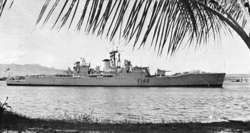 HMNZS_Taranaki_(F148)_at_Pearl_Harbor_c1963