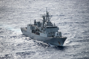HMNZS Te Mana sails during RIMPAC