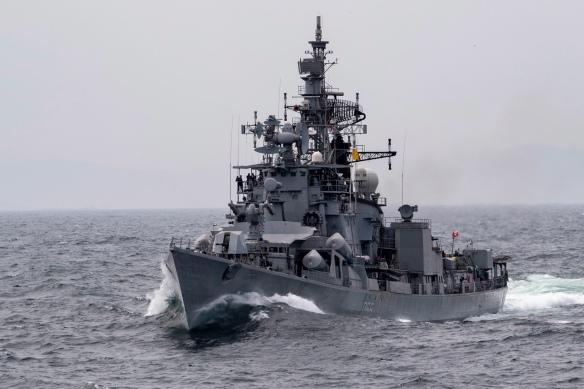 USS John P. Murtha PHOTOEX with Indian navy