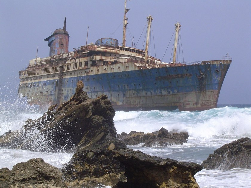 1280px-Shipwreck_of_the_SS_American_Star_on_the_shore_of_Fuerteventura
