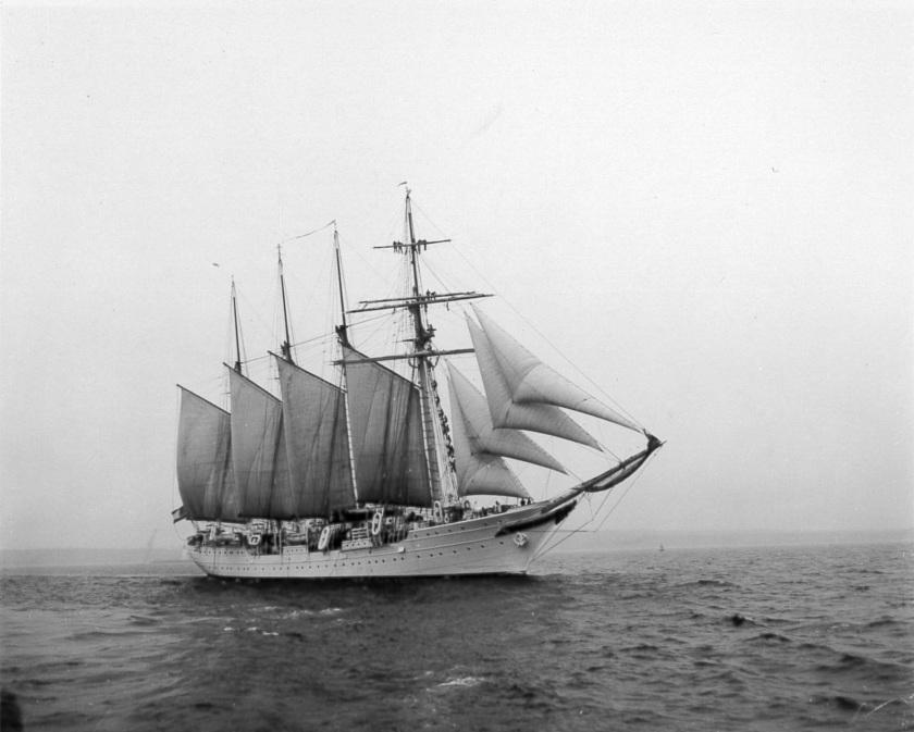 Elcano Spanish Sail trainer