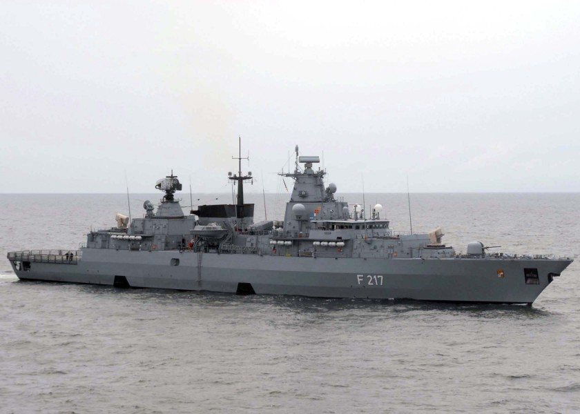 FGS Bayern steams next to USS Gettysburg