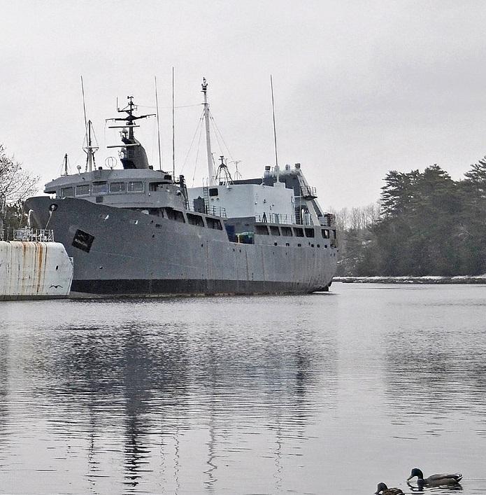 HMCS Cormorant_crop_formerNova_Scotia_DSC_1212_(2239645527)