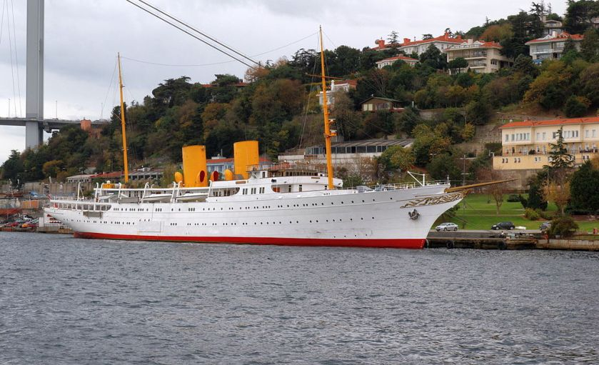 Motor_yacht_Savarona_IMG_7845_1920