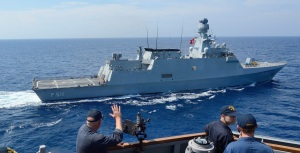 USS Ross conducts passing exercise with TCG Heybeliada