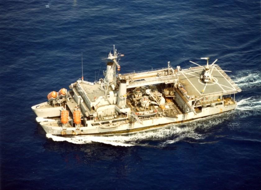 USS Ortolan ASR-22 DN-SC-88-09155