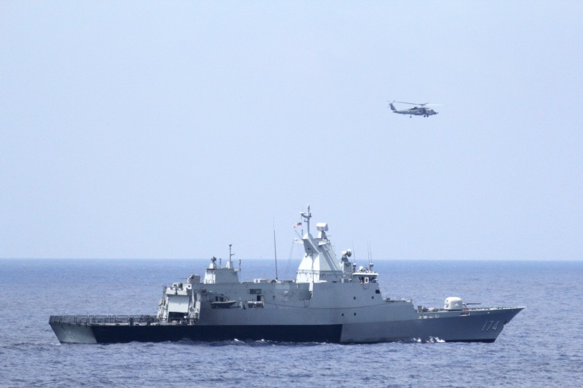 US Navy participates in search for missing Malaysian Airlines jet