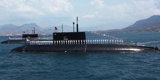 Kilo_Vietnam_Submarine
