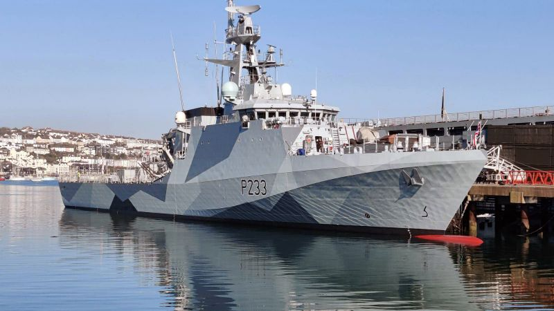 HMS_Tamar_Dazzle