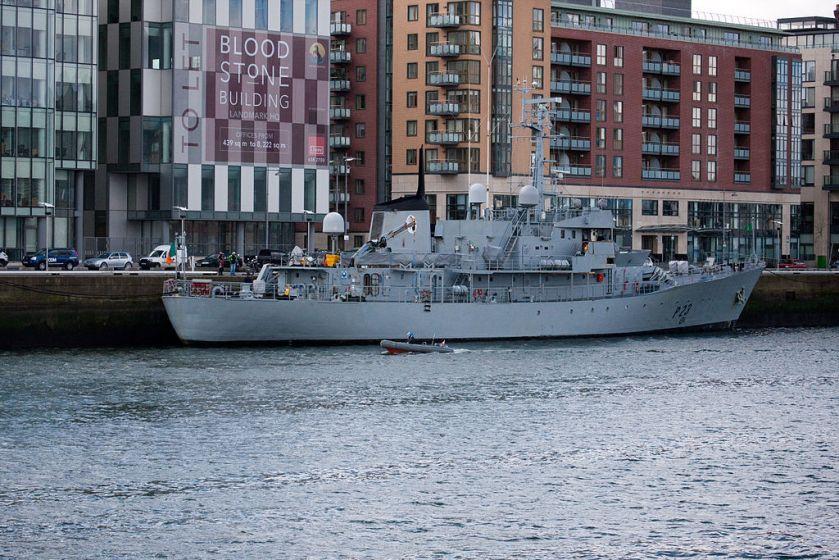 Irish_patrol_vessel_LÉ_Aisling_(P23)