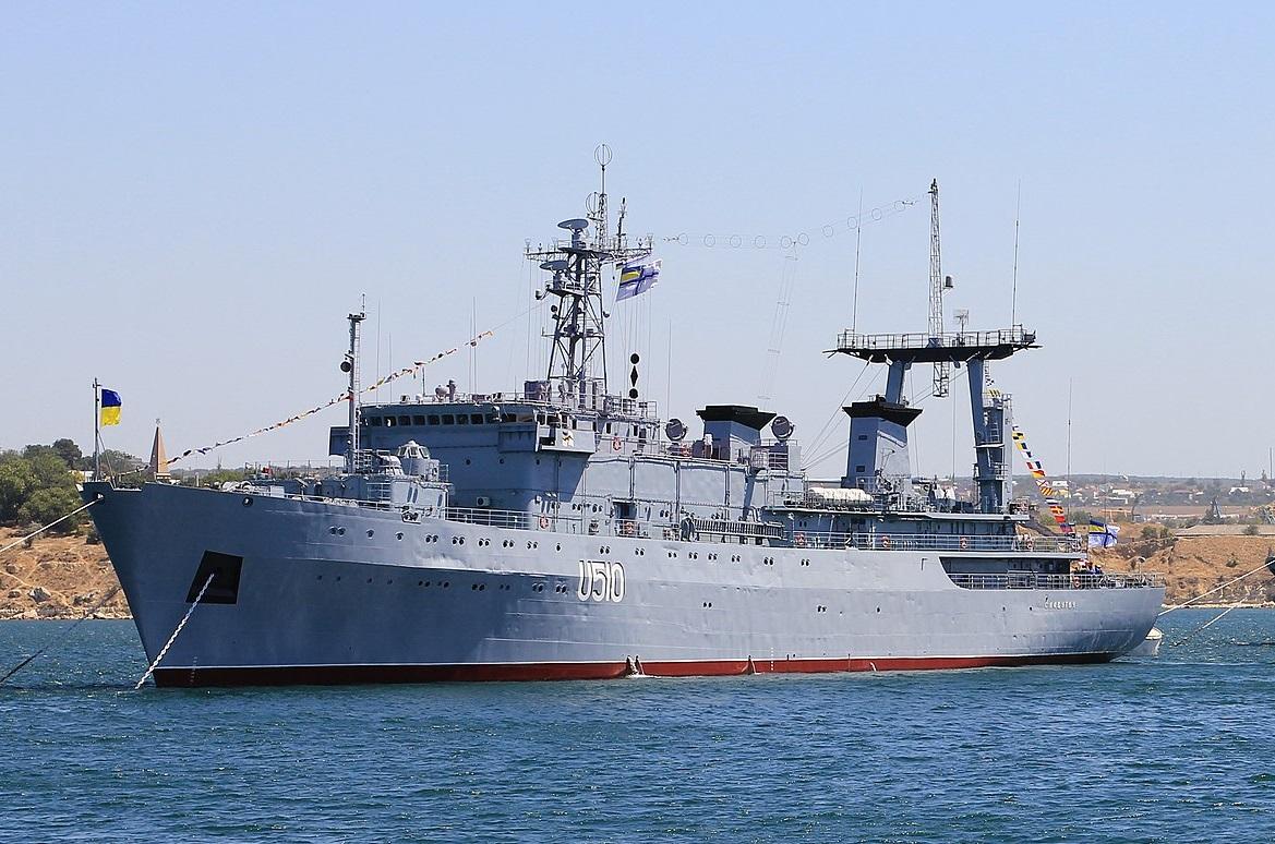 Navy_in_Sevastopol_bay_2012_[DETAIL OF] G01