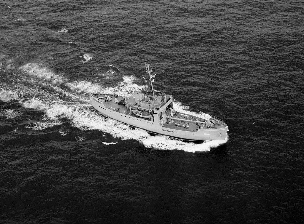 USS_Redbud_(AKL-398)_underway_in_1949