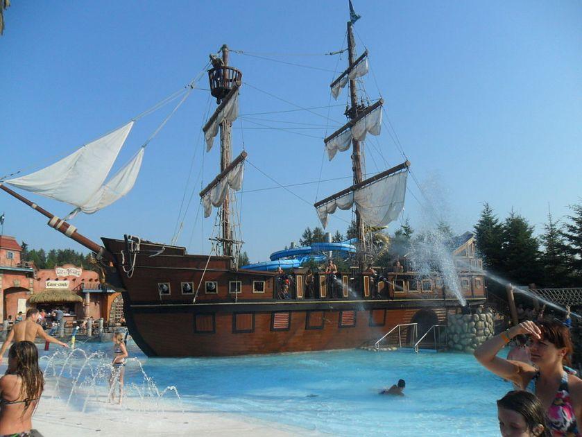 Valcartier QC Pirate_ship2